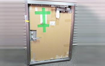 ロンカラー フラッシュドアの写真